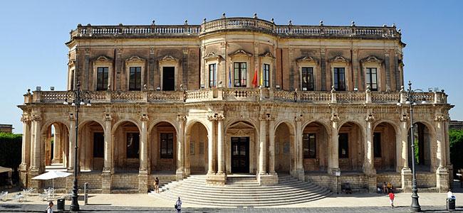 palazzo-ducezio-noto-villa-canisello
