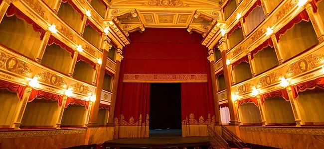 teatro-comunale-vittorio-emanuele-noto-villa-canisello